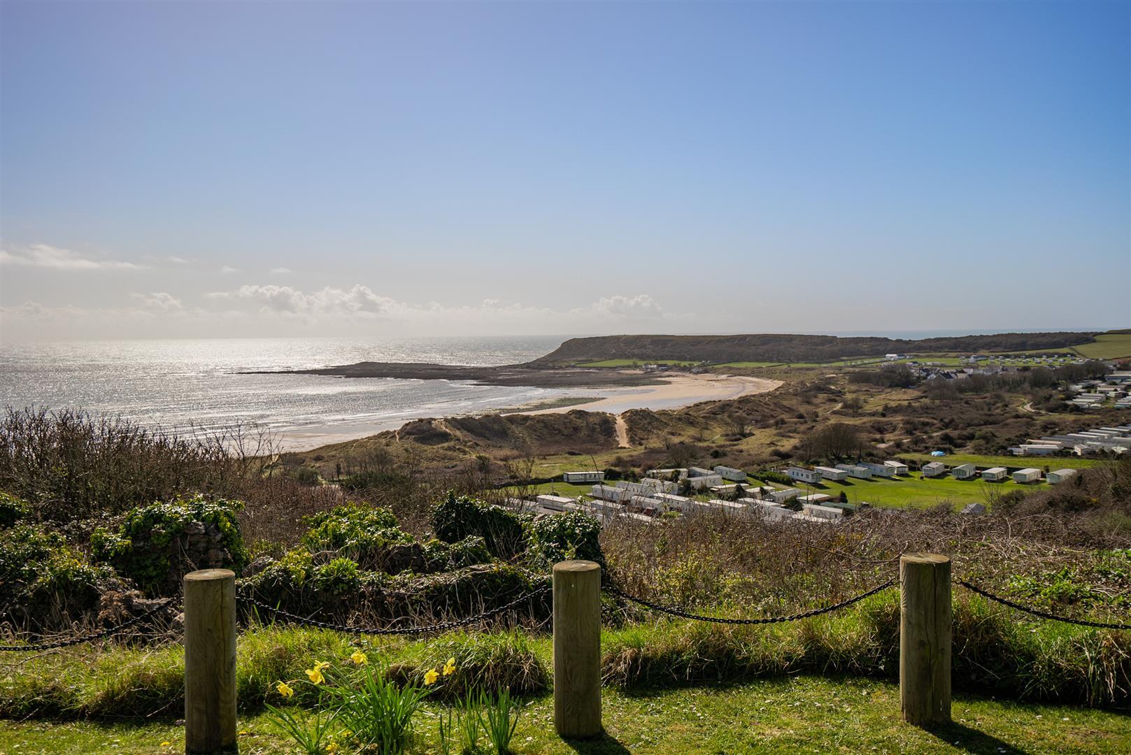 Castle Hill, Horton, Swansea, SA3 1LE